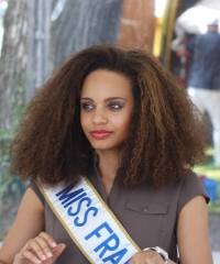 Huit princesses ultramarines à l'élection de Miss France